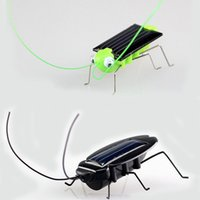 baby grasshoppers - 2pcs set New Mini Fun Novelty kid educate Solar Energy Powered cockroach Power Robot Insect Bug Locust Grasshopper gadget kit baby Toy