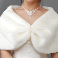 artifical fur - 2015 New Spring Wedding Capes Short Haired of White Beads Modified Dress Bridal Cape Personality Fur Warm White Artifical Wool Wedding Cloak