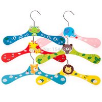 Wholesale 6pcs Thickened mm Strong cartoon animal children hanger baby colorful wooden hanger baby hanger