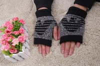 Wholesale 2015 New Men s Warm Winter Gloves Hot Sale Mens FashionPrinting Men s Gloves For Male Man