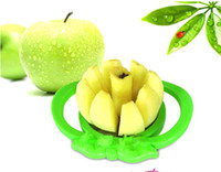 Wholesale GREEN sampler and easy cutter cut fruit slicer apple pear fruit knife tool slice chopper