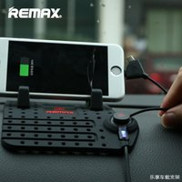 Wholesale Remax Charging Phone Holder Car Charge Stand Mounts with Non Slip Mat Pad Magnet Connector and Cable