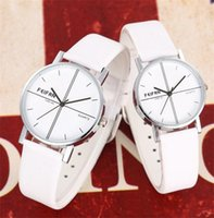 animal mens watch - Couple Lover Watch Vine Alloy Quartz Analog Wristwatches PU Belt Strap Mens Sport Designer Watches For Men Women
