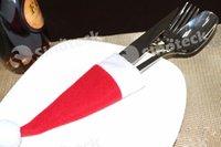 Bolsas rojas directas Baratos-Decoraciones de Navidad Cuchillería de cocina Traje de sujetadores Porckets Navidad Sombreros Gorra Red Hat Cuchillo de tenedor Bolsas Adornos Gratis DHL Factory Direct