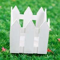 Wholesale Plastic Fence Small Flower Planters Flower Rustic Insert Basket White Flower Pot For Garden Photo Props kg