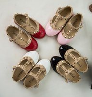 Wholesale Hot Selling Fashion Rivet Princess Patent Leather Kids Low heeled Children Shoes For Baby Girls Wedge Sandals
