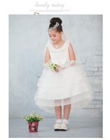 Wholesale Beautiful Flower Girl Dresses Organza Little Girls Birthday Dresses Party Gown Embroidered Flowers Princess Ball Gowns