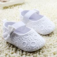 Precio de Bandas para la cabeza de encaje blanco para bebés-Zapatos blancos del cordón del bebé de la venda de la flor de la roseta del satén con sistema de la corona