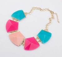 Wholesale Ladies Funky Geometric Jewelry Ladies All Matched Necklace Women Fashion Collar Necklace White Green Yellow Candy Color Colorful Black M2265