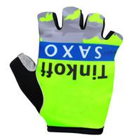achat en gros de gants de vélo jaune-2015 Tinkoff saxo bank Nouveaux arrivés Fluo Jaune Gants de vélo Demi-doigt / Mountain Bike Sports Gants / respirant VTT vélo de course Gants