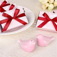 Wholesale 200pcs Boxes quot Kissing Birds quot Pink Ceramic Salt Pepper Shakers Wedding Favors For Guest