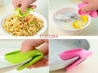 Wholesale 600pcs Kitchen Dishes Silicone Oven Heat Insulated Finger Glove Mitt Cute Cooking Microwave Non slip Gripper