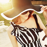 Wholesale New Fashion Ladies Summer Foldable Large Brim Floppy Sun Protection Hats Sun Beach Hat Straw Black and White Hat