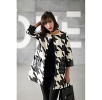 autum coats - 2016 European style Women autum winter warm fashion coat in black and white plaid Girls jacket fashion hot