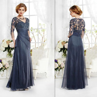 brides made - 2015 Vintage Navy Blue Mother Of The Bride Groom Dresses Sleeves Appliques Lace A line V neck Long Custom Made Winter Evening Party Gown