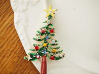 Wholesale Christmas Tree Brooches Green Alloy And Colorful Rhinestone Crystal Diamante Christmas Gift Brooch Wedding Party Pin cm cm ZC