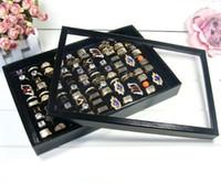 al por mayor exhibición de la joyería caja del sostenedor de la bandeja-Negro / blanco del anillo de la bandeja con la tapa de la caja 100 del agujero para los anillos de exhibición de la joyería Anillos Pendientes de joyería Titular Muestra del organizador del caso de la bandeja