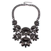 baroque paintings - 2015 New Baroque Style Black Spray paint Acrylic Gems Flower Vintage Chokers Necklaces Women Statement Jewelry Regalos comunion N2899