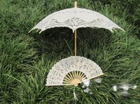 bamboo wedding dress - 2015 Summer Lace Wedding Fans Bride Craft Lace New Deaigne Fans Handmade Lace Luxury Foral Wedding Dress Fan