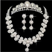 Wholesale Women s sliver white Austrian pearl jewelry sets bridal necklace earrings for bride wedding jewelry sets