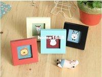 achat en gros de gros cadre photo carré-(2pcs / lot) Vintage mini-carré en bois coloré 3 po 4 Couleur Photo Photos Cadre de bricolage gros drôle de cadeau