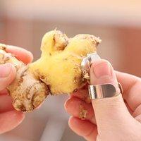 Wholesale Fashion Kitchen Ginger Garlic Peelers Castanea Mollissima Parer Zingiber Der Knoblauch Peeling Tool
