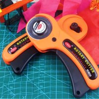 Wholesale New sale Rotary Cutter Premium Quilters Sewing Fabric Cutting Craft Tool EC059