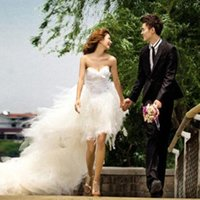 Wholesale Short in front long feathers diamond Bride Wedding Dress the Wedding Dress New arrival