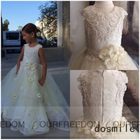 Wholesale 2016 Flower Petals Flower Girl Dress For Wedding Holy the First Communion Gowns