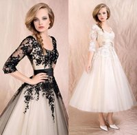 Wholesale 2015 New Bridal Dresses Wedding Gown With Actual Image Scoop Lace Tulle Corset Back Half Sleeve White Black Tea Length In Stock SD036