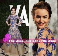 2015 Fair Oscar Royal Blue Lace Desnuda Tulle Vestidos de noche Sheer Half Mangas formal Lily Collins Celebrity Monique Lhuillier Vestidos de fiesta