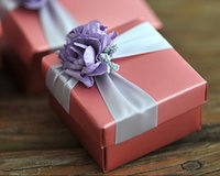Wholesale 100pcs Candy box gift package assembled delivery with decoration butterfly flower wedding favors and gifts