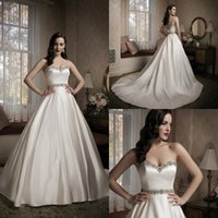 christmas wedding dresses - 2015 Christmas Latest Style Wedding Dresses Satin Sweetheart Beads Sleeveless Covered Button Court Train Retro Styles Fit Dress