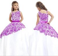2016 Nueva púrpura Little White Grils desfile vestidos Arbic de un hombro vestidos de flores niña de encaje balón vestido de la princesa del cabrito con la correa BO9383