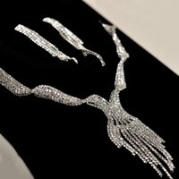 Wholesale 2015 New Cheap Bridal Necklace Earrings Set Evening Prom Accessories Sparkly Diamonds Bling Drill Crystals Wedding Jewelry
