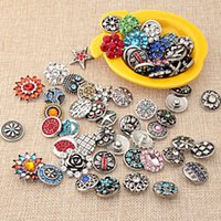 Wholesale 18mm noosa Metal Ginger Snaps Inlaid Crystal Fashion Snap Button Jewelry Accessories Mix Many styles Jewelry NOOSA chunk E55L