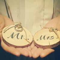 Wholesale 2pcs set Mr Mrs Forest wooden pad cuhion ring holder pair Mr Mrs round wood aromas ring bearer wedding decor unique favor x2cm