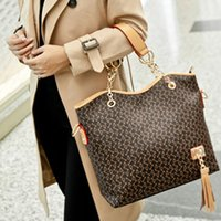 luxury leather handbags - Hot sale Light Patent leather bags European new designer Handbags purse women famous brand luxury bag Classic Shoulder Bags totes bags7