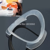 Wholesale Promotion Dental Orthodontics Teeth Whitening Autoclavable Lip Cheek Retractor Mouth Opener O shape Type