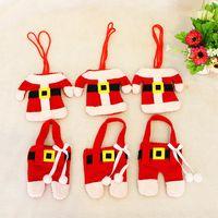 Санта костюмы Цены-6Pcs / Set Счастливый Санта-Клаус посуда Столовое серебро костюм Рождественский ужин партии Декор Новогодние украшения куртки и брюк