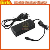 Scooters électriques Chargeur Chargeur de batterie universel pour les filles intelligente équilibrage Scooter US UK UA UE Plugs 100-240V 2A