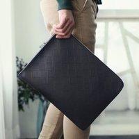 Wholesale new Korean men s fashion men s handbag clutch bag clutch bag Lingge file rolled package
