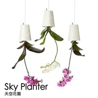 Wholesale sky planter Upside Down Plastic Sky Planter Creative Plant Flower Garden Pot