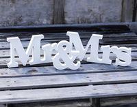 Wholesale 3pcs set Romantic White Mr Mrs Wooden Letter Set Wedding Mr Mrs Table Decor Letter Sign