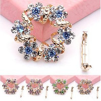Wholesale Holiday Sale Creative Korean Brooch Jewelry Luxury Rhinestone Garland Scarf Clip Brooches Pin With Low Price