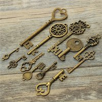 Wholesale High quality Retro key charms accessories jewelry antique girl pendant