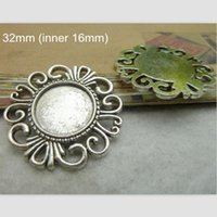Wholesale 30 Antique Silver Blank Pendant Tray mm inner mm Vintage Metal Photo Pendant Tray Cabochon Cameo Base Setting