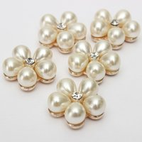 Wholesale BeautifulDesign Clear Rhinestone Flower Ivory Cream Pearl Silver Tone Shank Buttons Perfect Artwork order lt no track