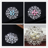 christmas pins - 2014 Frozen Snowflake Brooch Silver Rhinestone Crystal Alloy Brooches Cartoon Christmas Pins Fashion Flowers Pearl Wedding Party Jewelry