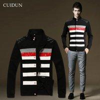 Wholesale Stripe Fashion Men s Clothing Korean Autumn and Winter Outdoor Jacket New